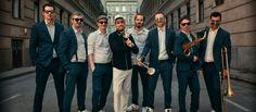 2019/06/14 PASO-» KOBUCI kert A Pannonia Allstars Ska Orchestra már eddigi pályafutása (12 év) során is olyan életutat járt be, ami kevés hazai zenekarnak adatik meg, hiszen rövid idő alatt Magyarország egyik legfontosabb zenekarává vált, mindeközben párhuzamosan külföldön is nagy népszeruségre... Orchestra, Concerts, All Star, Marvel, Suits, Fashion, Ska, Moda, Fashion Styles