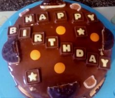 Chocolate orange sponge with orange flavoured Jaffa cakes with a centre of chocolate buttercream topped with orange Jaffa cakes