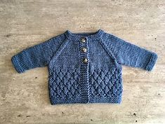 Free pattern Ravelry: Milk & Sugar Baby Cardigan pattern by marianna mel - Crochet , ! Free pattern Ravelry: Milk & Sugar Baby Cardigan pattern by marianna mel ! Free pattern Ravelry: Milk & Sugar Baby Cardigan pattern by marianna mel . Baby Cardigan Knitting Pattern Free, Baby Boy Knitting Patterns, Baby Sweater Patterns, Baby Hats Knitting, Cardigan Pattern, Baby Patterns, Crochet Patterns, Knitting Ideas, Baby Boy Cardigan