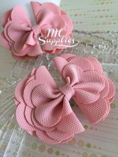 2 pcs 4 bow appliqueboutique bowbow knot by MCsupplies on Etsy Pink bow baby bows bows for girls headband accessories hair bows hair clip accessory bows for babies Pink bowbaby bowsbows for girlsheadband accessorieshair This Pin was discovered by mel Diy Hair Bows, Diy Bow, Diy Ribbon, Bow Hair Clips, Ribbon Flower, Ribbon Hair, Baby Girl Headbands, Baby Bows, Headband Hair