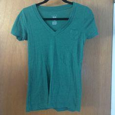Green Shirt Little pocket on the side Tops Tees - Short Sleeve
