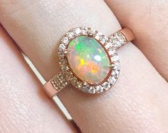 SALE Opal Engagement Halo Ring Rose Gold von StaticeJewellery