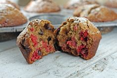 Skinnyluscious: Raspberry-Oat Muffins [with chocolate chips]