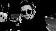 #GD #GDRAGON #Jiyong #leader #BIGBANG #cute #funny #blackandwhite #gif