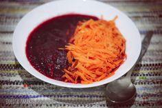Zupa buraczkowa z makaronem marchewkowym przygotowany zgodnie z regułami postu warzywno-owocowego dr Ewy Dąbrowskiej. Aromatyczna Chili, Spaghetti, Ethnic Recipes, Dieta Detox, Food, Chile, Essen, Meals, Chilis