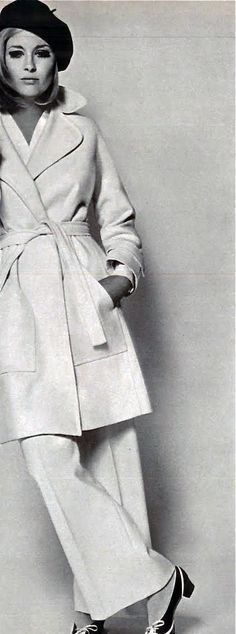 Fashion Muse: Faye Dunaway - Vogue 1968 more amazing apparel…