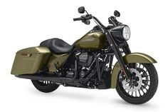 Harley-Davidson Road King Special studio front 3/4 view