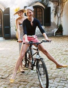 3/4 sleeved cardigan with shorts and flats, cute!  Via: Eunice Do #summerstyle #bicycleride