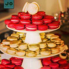 Suporte para Bolos e Doces JO Decor, deixando sua mesa ainda mais elegante - www.jodecor.com.br -  #jodecor #fingerfoods #macaron #pratoparabolo #porcelana #mesadedoces #doces #decoração