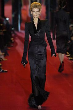 Saint Laurent - Fall 2004 Ready-to-Wear - Look 31 of 39