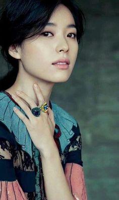 Ballet Photography, Photography Women, Portrait Photography, Korean Beauty Standards, Straight Eyebrows, Bh Entertainment, Thriller, Han Hyo Joo, Korean Actresses