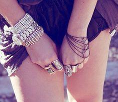#Pulseiras #Bracelets #Relógio #Clock #Anéis #Rings