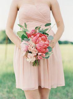 Gorgeous and lush bridesmaid bouquet. Flowers by Fern Studio. Photo by Landon Jacob (via Magnolia Rouge Magazine).