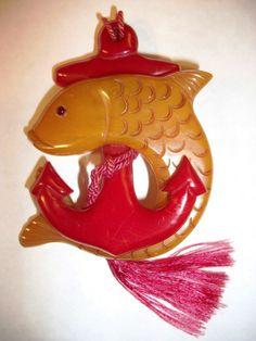 RARE VINTAGE BAKELITE PATRIOTIC 1940s PIN BROOCH WWII ANCHOR FISH NAVY CARVED