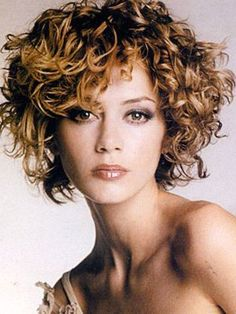 30 best short curly hair short hairstyles 2015 2016 most short curly hairstyles for women Short Curly Hairstyles For Women, Girls Short Haircuts, Curly Hair Cuts, Cute Hairstyles For Short Hair, Short Hair Cuts For Women, Curly Hair Styles, Curly Short, Natural Hairstyles, Medium Curly