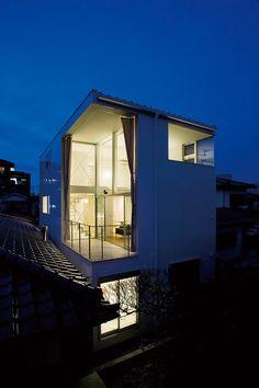 Casa en Hakarimachi, proyectada por Rhythmdesign