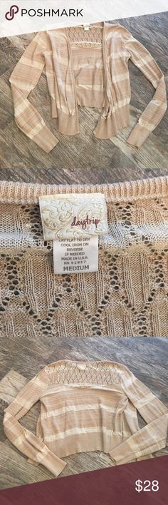 Daytrip open cardigan Daytrip open cardigan. Size medium. Heathered tan and cream. Clean smoke free home. Excellent condition only worn once. Flowy front no buttons or clasps. About 17in pit to pit. Daytrip Sweaters Cardigans