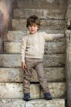 Maglione lavorato realizzato con il filato Superwool #superwool #filato #lanemondial #mondial #newcollection #yarns #knitwear #baby #bambino #fashion #style #knit