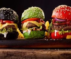 Pão da Hambúrguer Colorido – Xtudoreceitas Cheeseburger Recipe, Low Carb Bread, Salmon Burgers, Hamburger, Sushi, Beef, Cooking, Ethnic Recipes, Mockup