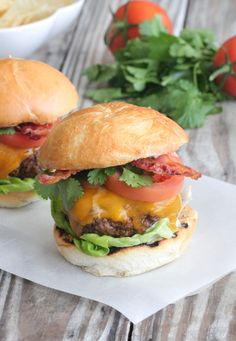 Taco Bacon Cheeseburgers - Picky Palate. ☀CQ #barbecue #bbq #grilling