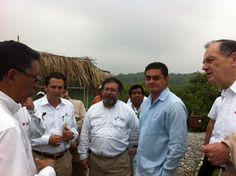 Con el dir. de #Pemex Emilio Lozoya en el Parque ecológico Jaguarundi - #Pemex en Coatzacoalcos pic.twitter.com/0BBdgaGAVk
