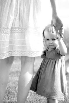 Baby girl photo shoot ideas 1 year pictures sweets 30 Ideas for 2019 1 Year Pictures, First Year Photos, Family Photos, Kid Photos, Mommy And Me Photo Shoot, Girl Photo Shoots, 1st Birthday Photos, Boy Birthday, Birthday Parties