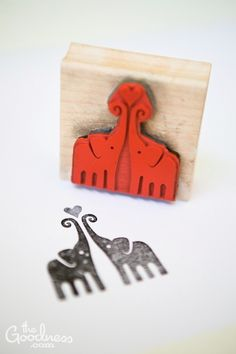 elephants stamp! TOO PERFECT TO HANDLE. If I had this..........there would be elephantys all over EVERYTHING. haha