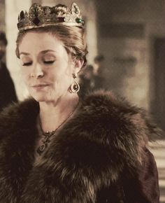 Catherine de Medici Reign Catherine, Reign Mary, Mary Queen Of Scots, Historical Women, Historical Fiction, Megan Follows Reign, Celina Sinden, Caitlin Stasey, Reign Tv Show