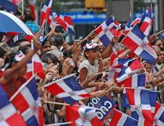 DE LA ZANJA : Desfile Dominicano: Una fiesta apoteósica en Manha...