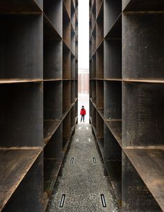 """The space at the heart of this rusting steel memorial narrows to a width of just 80 centimetres, designed to make visitors empathise with the """"feeling of oppression"""" experienced by Holocaust victims"""