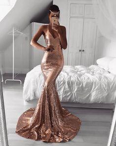 Vestidos Rose Gold que puedes usar en tu graduación