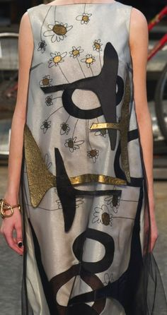patternprints journal: PRINTS, PATTERNS AND SURFACE EFFECTS: BEAUTIFUL DETAILS FROM MILAN FASHION WEEK (WOMAN COLLECTIONS SPRING/SUMMER 2015) / 1
