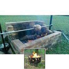 Portable diy portable fire pit ideas and square stone fire pit ideas. Fire Pit Grill, Diy Fire Pit, Fire Pit Backyard, Outdoor Fireplace Brick, Fireplace Hearth, Bbq Spit, Portable Fire Pits, Square Fire Pit, Open Fires