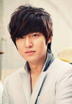 Lee Min Ho🙂 b u t t u pahuncha Asian Actors, Korean Actors, Korean Dramas, Lee Min Ho, Chica Cool, New Actors, City Hunter, Kim Woo Bin, Park Shin Hye