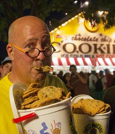 Andrew Zimmern's Minnesota State Fair Food Guide Miss Minnesota, Minnesota Food, Minnesota State Fair, State Fair Food, Andrew Zimmern, Carnival Food, Travel Snacks, Food For A Crowd, Foodie Travel
