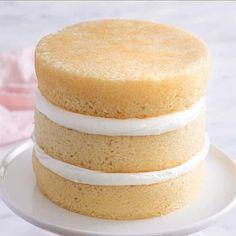 Bake Flat Cakes, No Bake Cake, Tall Cakes, Round Cakes, Cake Decorating Techniques, Cake Decorating Tips, Empanadas, Round Birthday Cakes, 4th Birthday