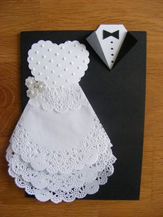 DIY Invitations - Weddings - Dresses, Engagement Rings, and Ideas! Doilies Crafts, Paper Doilies, Wedding Cards Handmade, Wedding Gifts, Diy Invitations, Invitation Cards, Wedding Shower Cards, Dress Card, Wedding Anniversary Cards