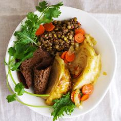 Ethiopian Injera with Mustard Lentils and Braised Cabbage - gluten-free Teff Recipes, Lentil Recipes, Veggie Recipes, Wine Recipes, Vegetarian Recipes, Cooking Recipes, Healthy Recipes, Ethiopian Injera, Ethiopian Cuisine