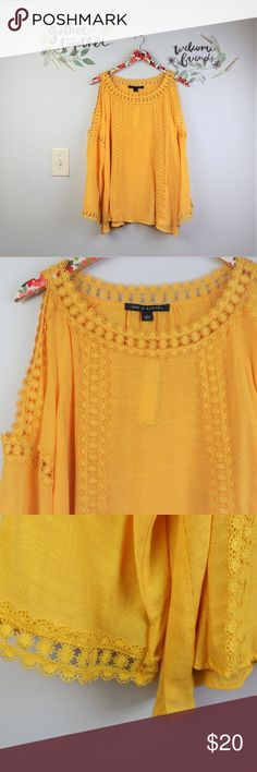 46b7b9c4077 New Boho Chic Peasant Yellow Top lace insert Large NWT- Zach  amp  Rachel  Peasant