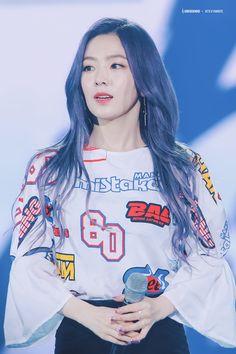Park Sooyoung, Seulgi, South Korean Girls, Korean Girl Groups, Kpop Hair Color, Red Velvet Irene, Korean Star, Ulzzang Girl, Dress Codes