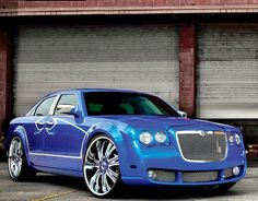 Chrysler 300- in beautiful blue!