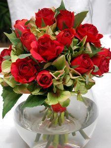 #627 - Medium - Red Rose & Green Hydrangea - Glass Fish Bowl Vase