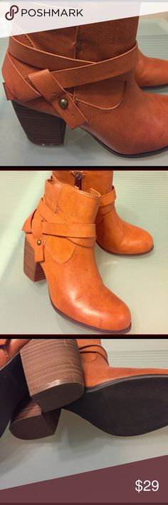 AE Brown Booties, s 6, excellent American Eagle boots very clean and sharp, women's size 6 American Eagle Outfitters Shoes Ankle Boots & Booties