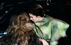 carrie fisher bloopers | These Behind-The-Scenes Star Wars Pictures Are Perfect | moviepilot ...