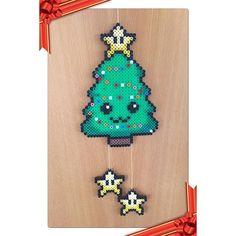 Todays finished project #christmastree #xmastree christmas xmas #kawaii #hama #hamabeads #beads #hamaperler #hamapärlor #perler #pärlor #plasticbeads #plastikperler #fusebeads #ironingbeads #hobby #perleuro #beadmobile #mobile #creativity #madebyme