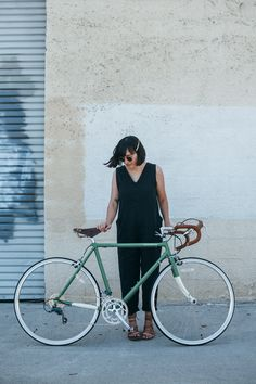 outfit: cycle chic with papillionaire - calivintage Buy Bike, Bike Run, Women's Cycling Jersey, Cycling Jerseys, Black Betty, Cycle Chic, Bicycle Maintenance, Cool Bike Accessories, Bike Style