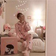 46 New Ideas for baby girl aesthetic bedroom Pink Bedroom Decor, Small Room Bedroom, Girls Bedroom, Baby Bedroom, Bedrooms, Ideas Decorar Habitacion, Kawaii Bedroom, Aesthetic Room Decor, Fashion Room