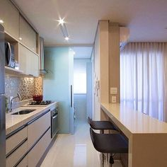 Browse photos of Small kitchen designs. Discover inspiration for your Small kitchen remodel or upgrade with ideas for organization, layout and decor. Kitchen Interior, Kitchen Decor, Interior Decorating, Interior Design, Cuisines Design, Little Houses, Small Apartments, Home Kitchens, Kitchen Remodel