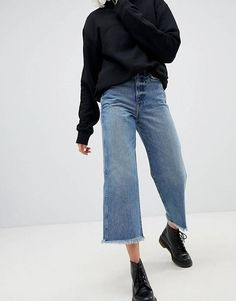Buy Weekday Crop Wide Leg Jeans With Raw Hem at ASOS. With free delivery and return options (Ts&Cs apply), online shopping has never been so easy. Get the latest trends with ASOS now. Wide Pants Outfit, Cropped Jeans Outfit, Flare Jeans Outfit, Jeans Outfit Winter, Flare Leg Jeans, Hem Jeans, Crop Jeans, Wide Jeans, Cropped Wide Leg Jeans