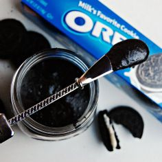 Oreo Spread. Put this on your fruit.  Your morning toast, if you're feeling saucy.  Spoon it on ice cream.  Be still my heart.  Here's to feeling good, indeed!